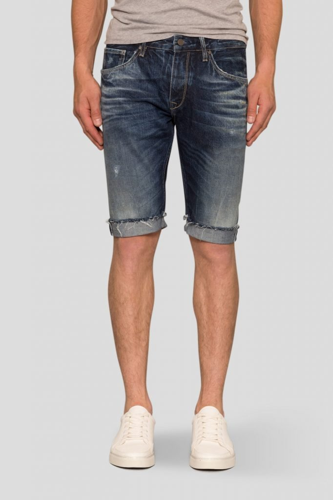 relaxed-short-ss-front