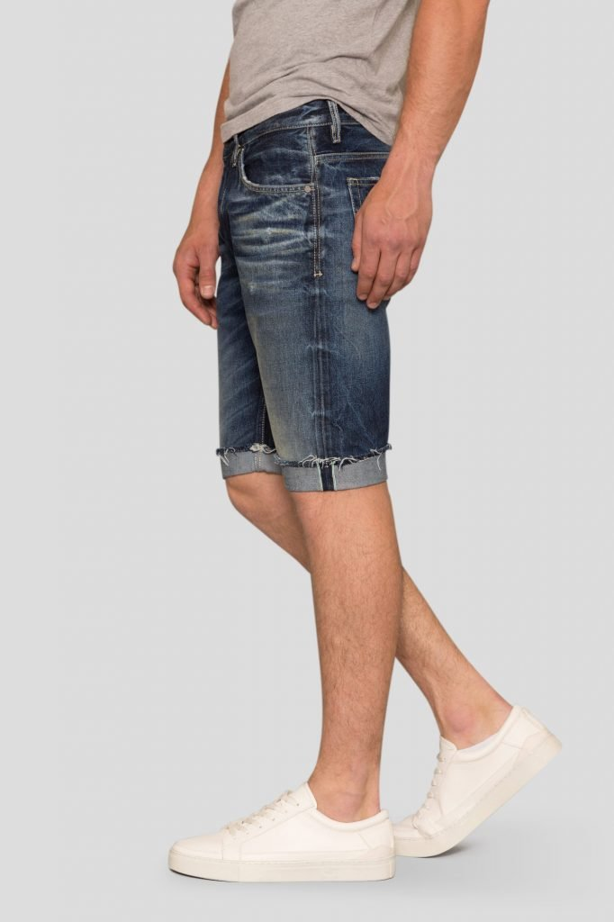 relaxed-short-ss-side